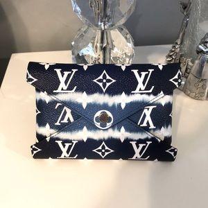 Louis Vuitton Kirigami Escale Medium Size